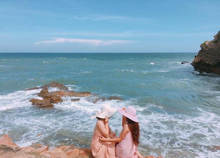 Khu di tích Dốc Khoai  - bãi tắm Nam Hải