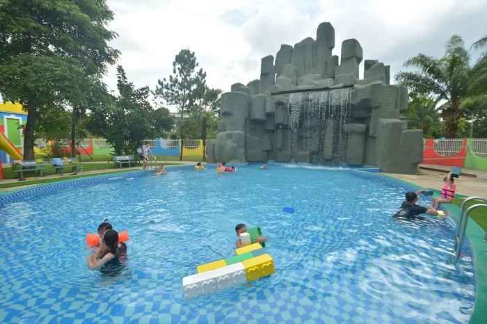 Khu du lịch gần Sài Gòn có hồ bơi - khu du lịch The BCR nổi tiếng
