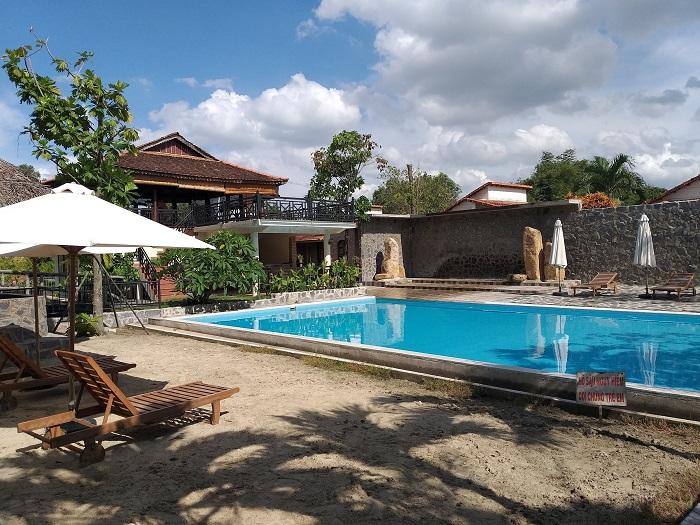 Khu sinh thái Villa H2O Hóc Môn - hồ bơi