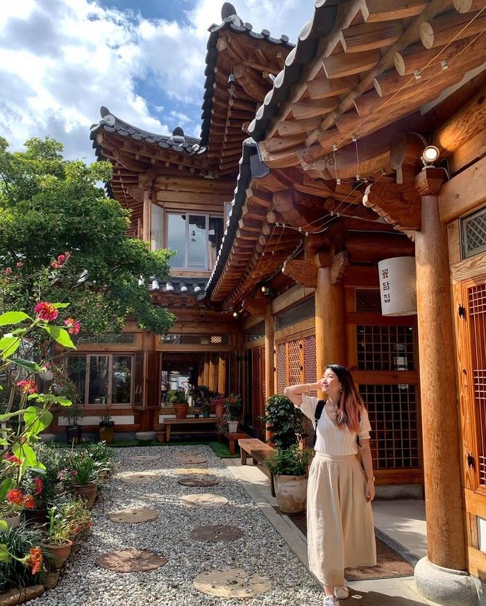 Vẻ đẹp cố kính của làng Hanok Jeonju