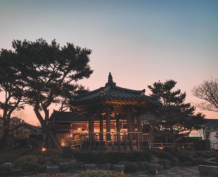 Khám phá kiến trúc Hàn Quốc đích thực và những mái nhà đặc trưng của Làng Hanok Jeonju