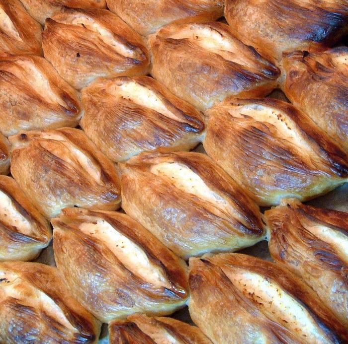 Bánh Pastizzi - Du lịch Malta