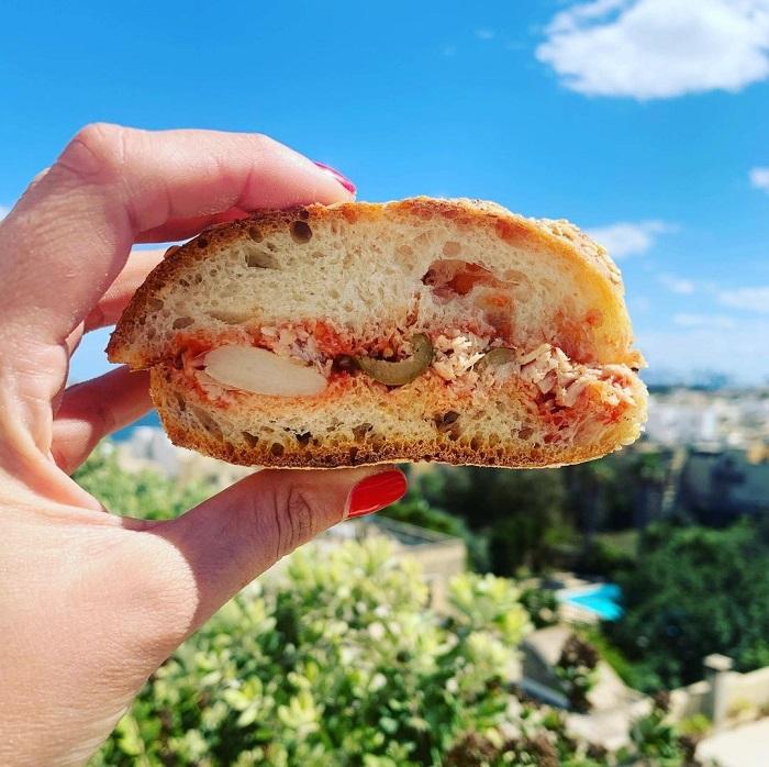 Bánh mì Maltese - Du lịch Malta