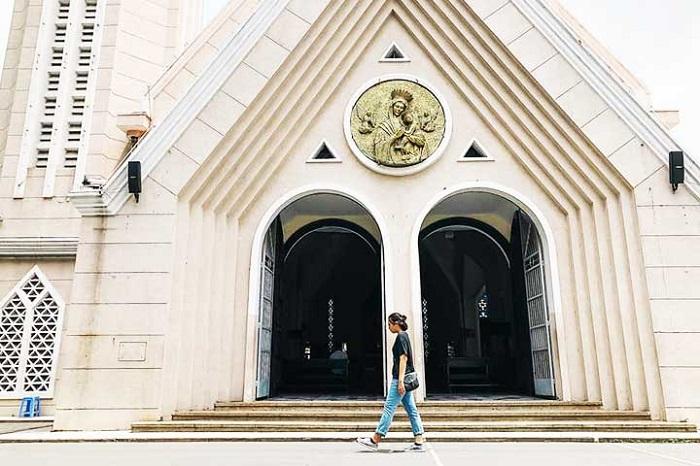 famous church in Saigon - Redemptorist Church
