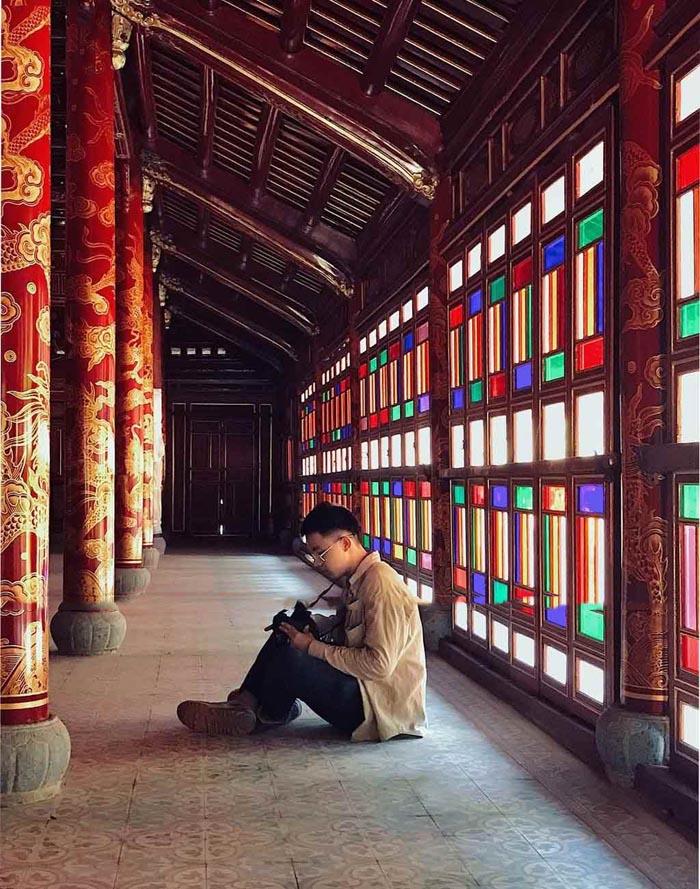 Lăng Đồng Khánh nhà Nguyễn - Những ô cửa kính