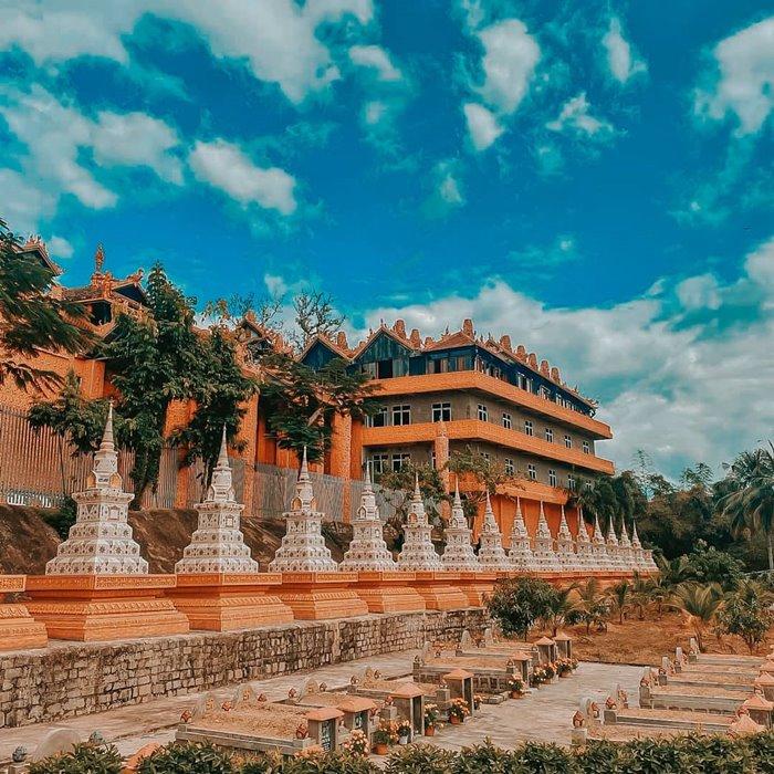Tourism Holy Son Temple