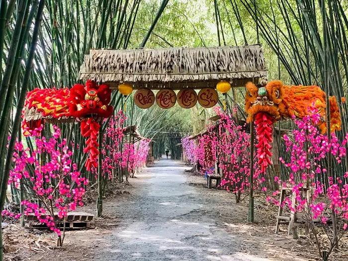 Visit Bamboo Garden eco-tourism area - Tan Suu New Year's Street