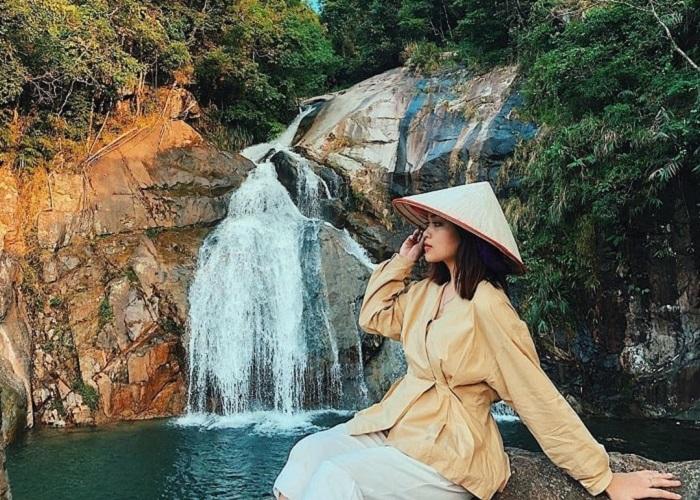 Những thác nước đẹp ở Quảng Ninh- thác Khe Vằn Hai