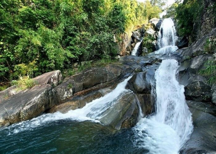 Những thác nước đẹp ở Quảng Ninh- thác sông Mooc