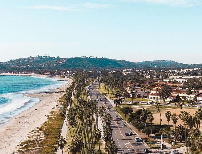 Santa Barbara - thị trấn cổ ở Mỹ đẹp như họa