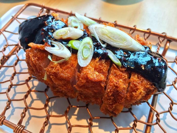 Thịt lợn cốt lếttẩm bột Miso - Ẩm thực Nagoya