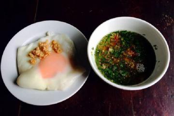 Lên Lạng Sơn thưởng thức đặc sản bánh cuốn trứng ăn một lần nhớ mãi không quên