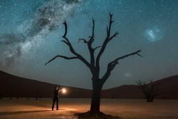 Khám phá cảnh quan sa mạc Namibia - nơi có những đụn cát cao tới 300m