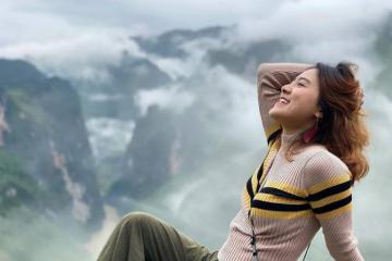 Cảnh đẹp nín thở khi đi săn mây trên đỉnh Mã Pí Lèng Hà Giang