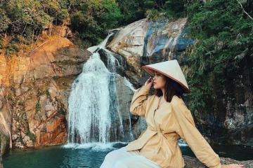 Chiêm ngưỡng những thác nước đẹp như trong tranh ở Quảng Ninh