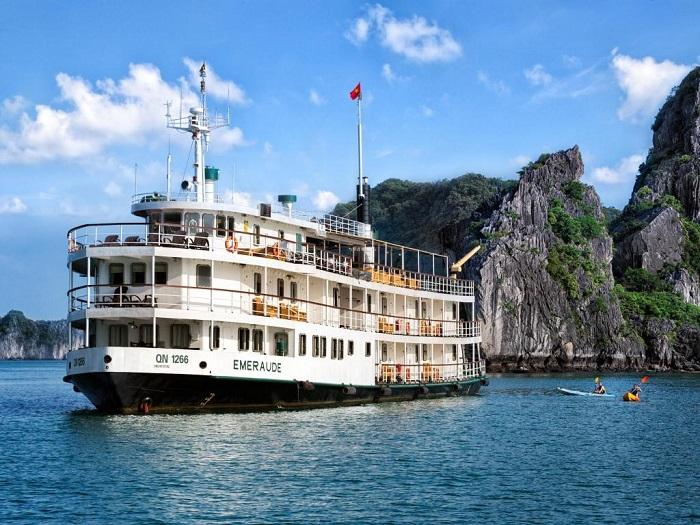 tour du thuyền Hạ Long - Du thuyền Emeraude Classic