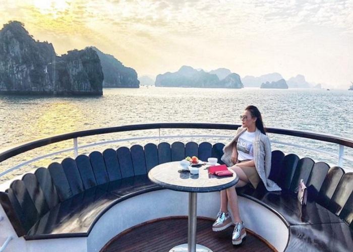 tour du thuyền Hạ Long - kinh nghiệm đặt tour