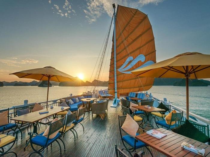 Tour du thuyền Hạ Long - Du thuyền Paradise Luxury