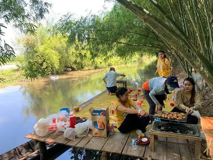 Visiting Bamboo Garden eco-tourism area - Picnic experience