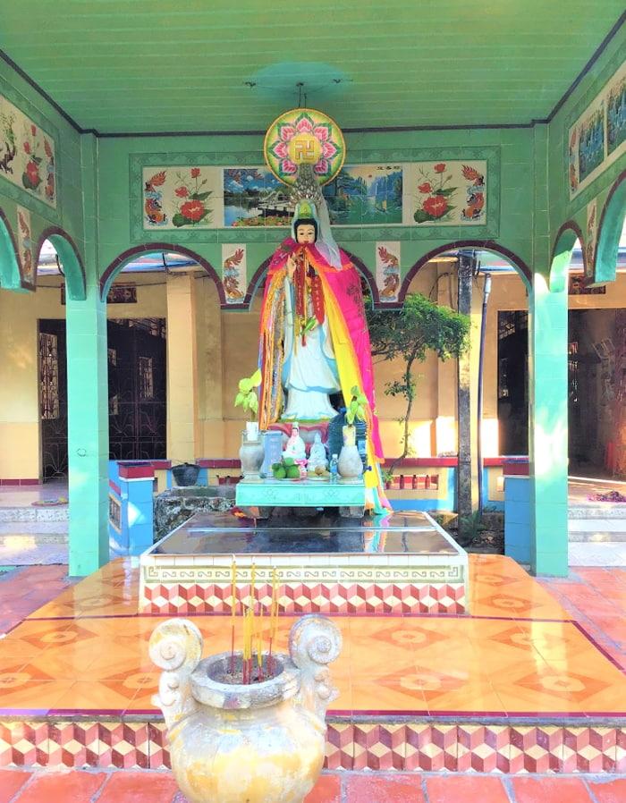 Viếng chùa Lá Sen - Tượng Quan Âm
