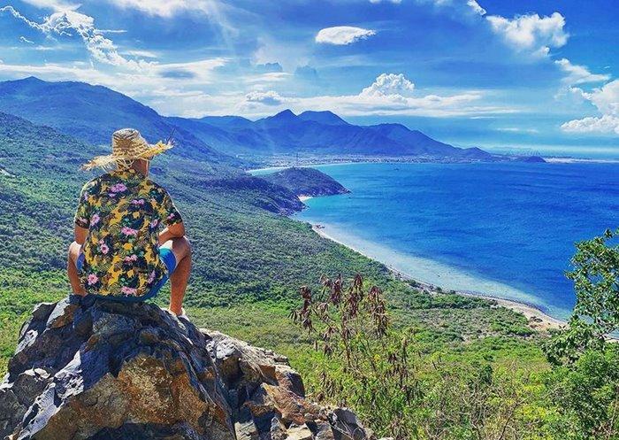 Van Phong tourism beautiful bay in Khanh Hoa