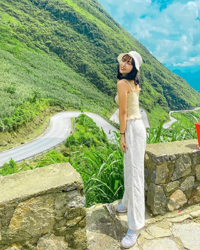 Tham Ma slope - one of the beautiful pass roads in Ha Giang