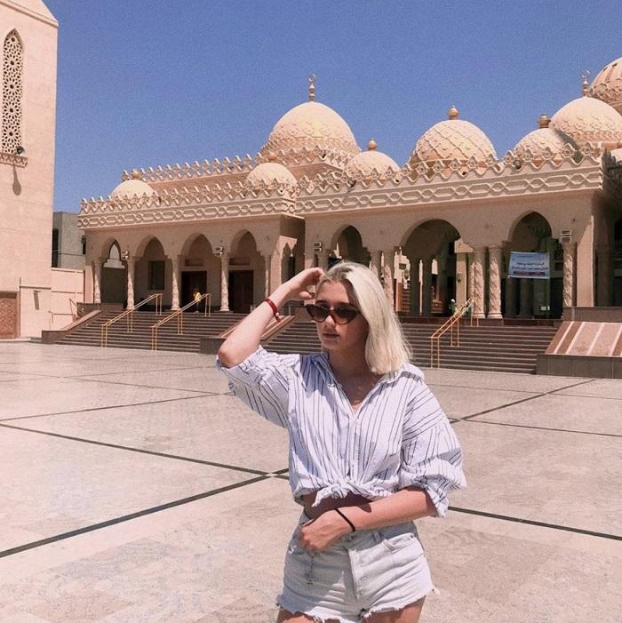 Handbook exploring Hurghada - emerging paradise of Egyptian tourism