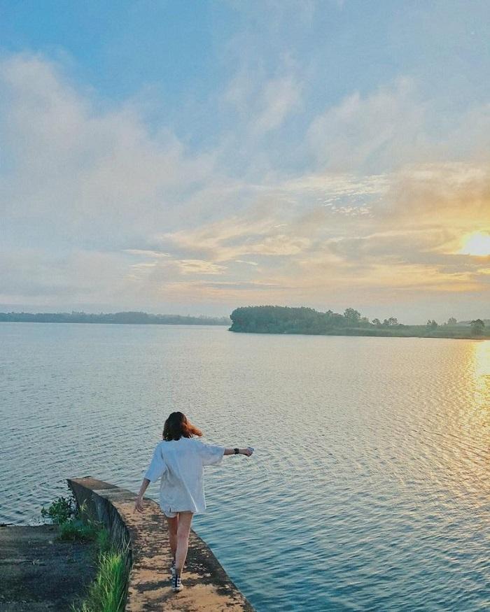 Cắm Trại Ở Hồ Trị An - Những Phút Giây Thảnh Thơi Hiếm Có!