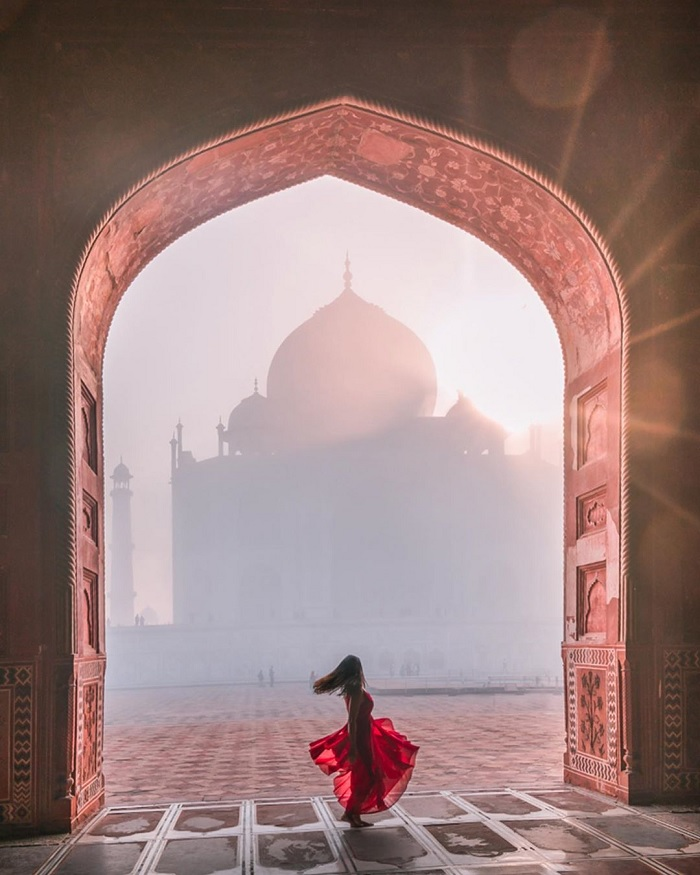 To the capital Agra listened to love affair at the Taj Mahal Temple