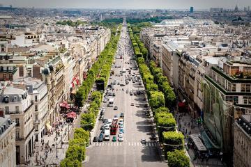 Bật mí những điều thú vị về đại lộ Ánh sáng Champs-Élysées!