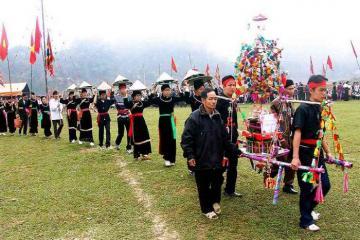 Hòa mình vào không khí các lễ hội truyền thống ở Yên Bái