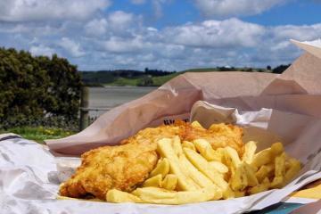Thưởng thức món Fish and Chips New Zealand thơm ngon giản dị