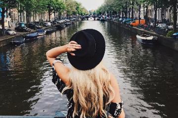 """Vì """"cuộc đời là những chuyến đi"""", đặt khách sạn Hà Lan thôi ngại gì?"""
