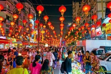 Chơi quên lối về tại các khu chợ đêm ở Myanmar