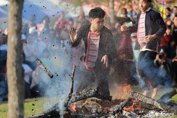 Có gì thú vị ở nghi lễ Nhảy lửa của người Dao đỏ, Cao Bằng