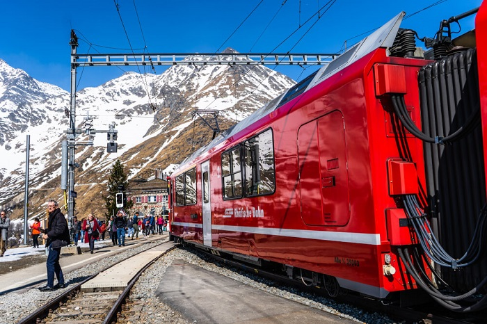 Three breathtaking Swiss railway lines that you should not miss
