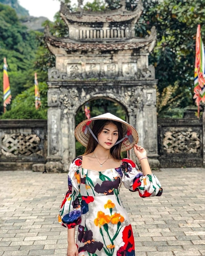 Check in the ancient capital Hoa Lu - attractions near Thien Ha Ninh Binh cave