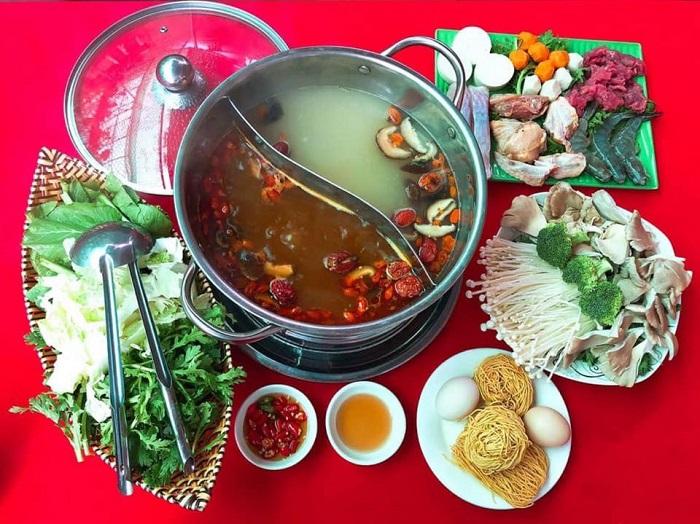 Mang Den specialties - Mang Den pepper hotpot