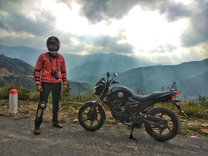 đường đi đến cột cờ Lũng Cú Hà Giang