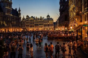 Hòa nhịp vào cuộc sống về đêm cực kỳ sôi động ở Thủ đô Brussels Bỉ