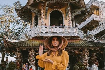 Tới chùa Linh Phước Đà Lạt nhìn ngắm kiến trúc từ ve chai ấn tượng