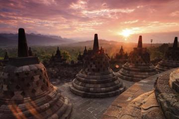 Đền Borobudur Indonesia - di tích Phật giáo lớn nhất thế giới trên đảo Java