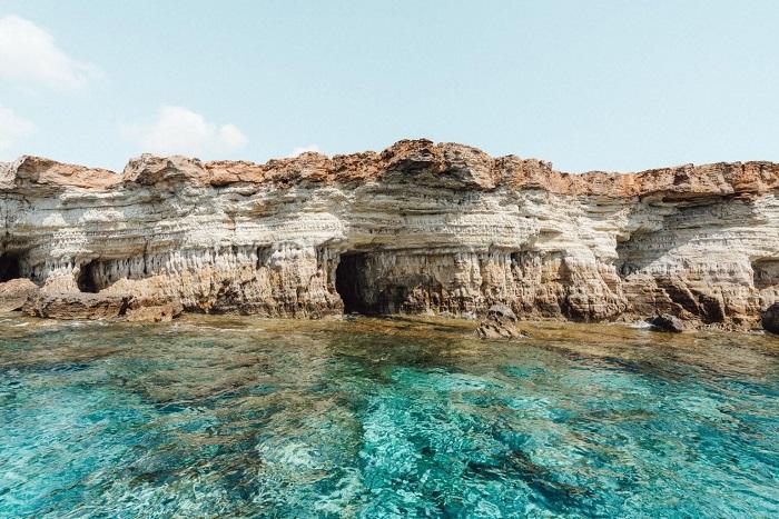 Một hang động trên biển ở đảo Síp - Du lịch đảo Síp