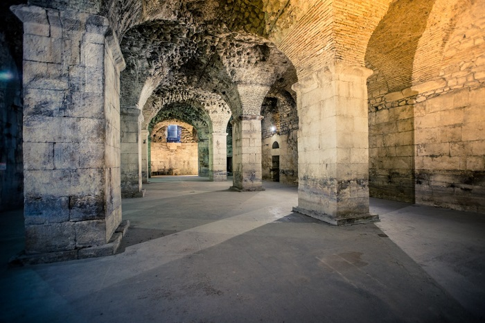 Ngục tối - Cung điện Diocletian Croatia