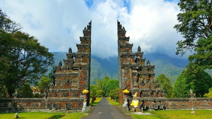 Cổng Handara- Địa điểm tham quan Munduk Bali