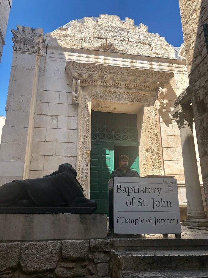 Đền thần Jupiter -  Cung điện Diocletian Croatia
