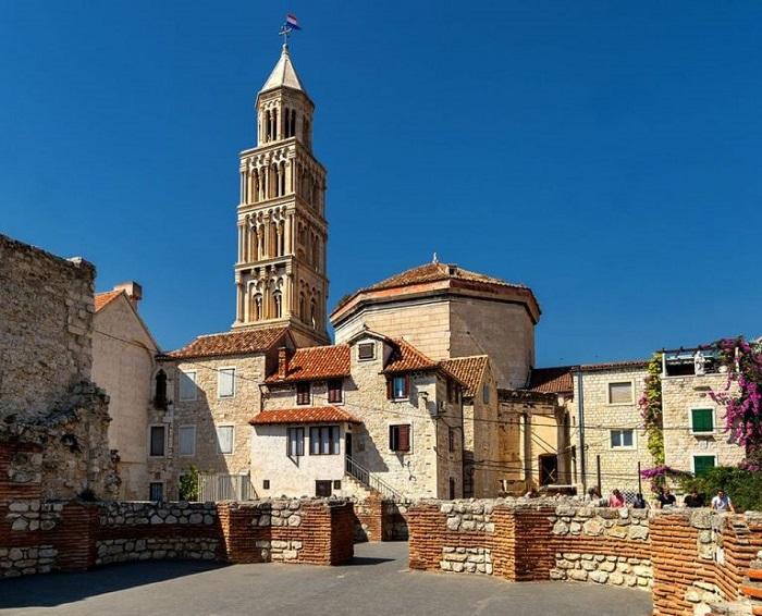 Nhà thờ thánh Domnius -  Cung điện Diocletian Croatia