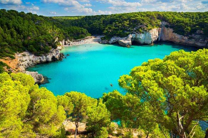 Những bãi biển tuyệt đẹp dành cho mùa hè ở Menorca - Du lịch đảo Menorca