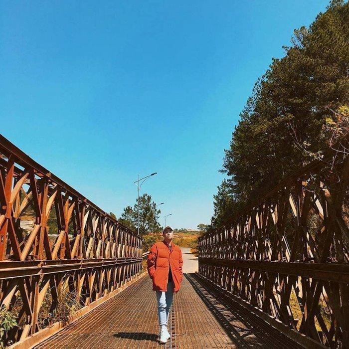 Tuyen Lam lake iron bridge - abandoned place in Da Lat