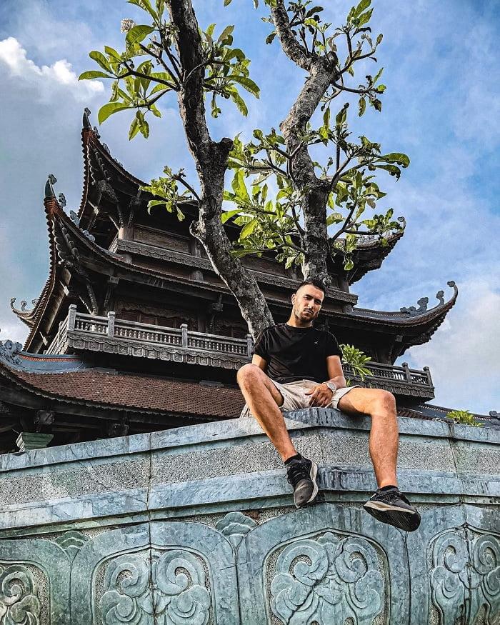 tường đá - kiến trúc thú vị của Chùa Vàng Ninh Bình